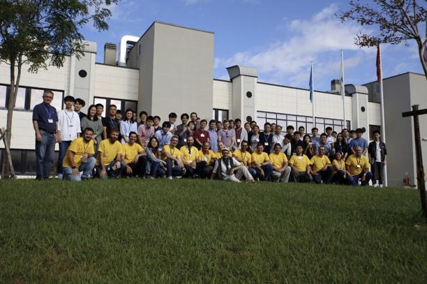 Organizadores de la competición y participantes en las competiciones on-site de la X Conferencia Internacional en Posicionamiento y Navegación en Interiores (IPIN)