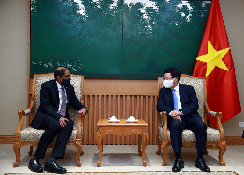 Vietnam proposes cooperation with Singapore in Covid 19 prevention vaccines