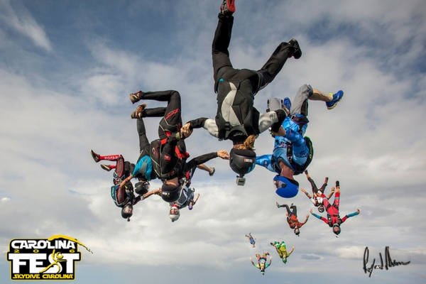 which-is-more-dangerous-skydiving-or-bungee-jumping-4.jpg