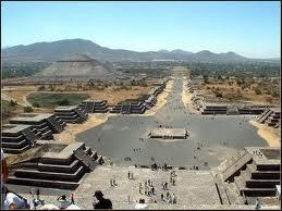 Resultado de imagem para arquitetura asteca