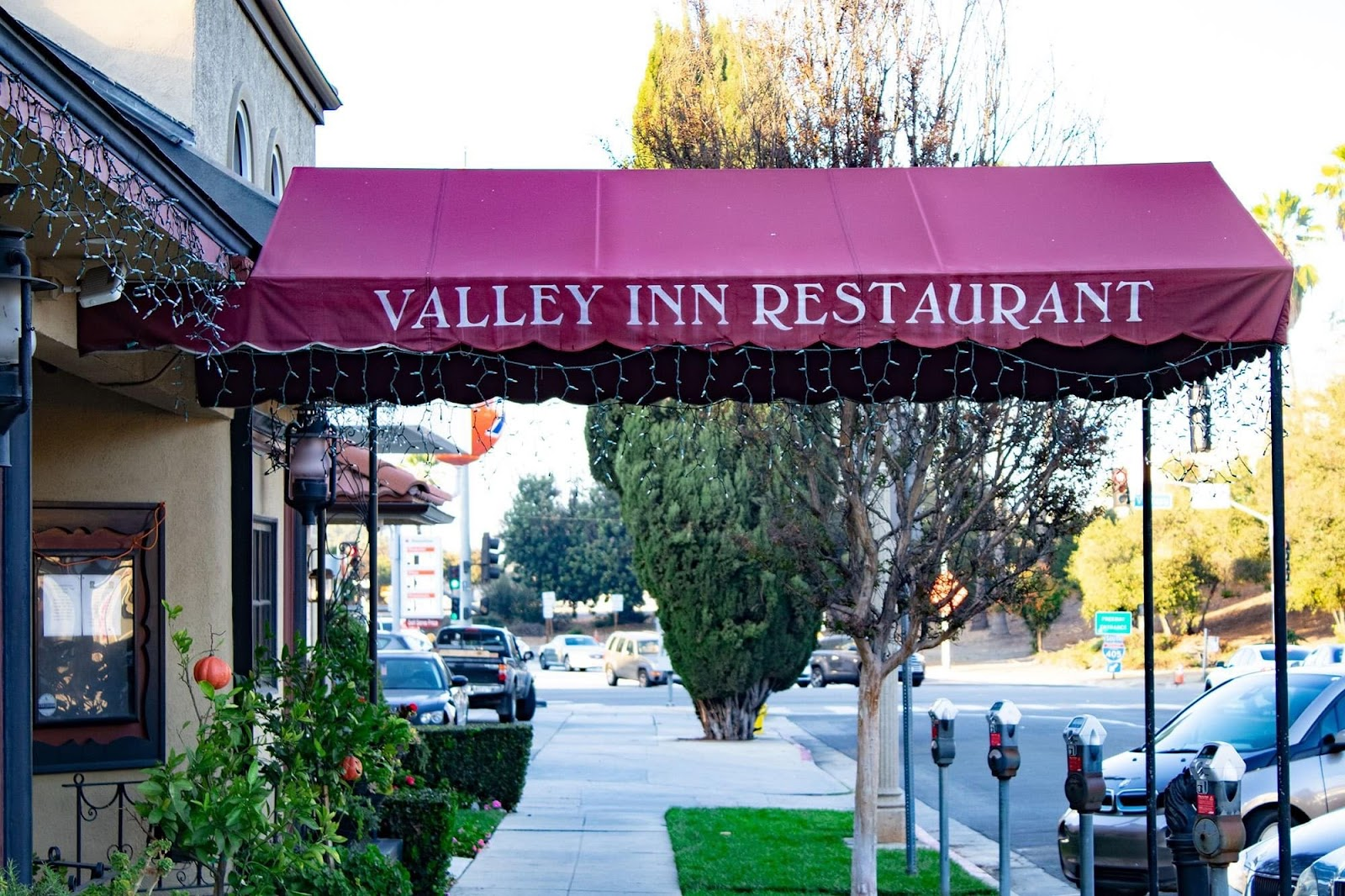 Valley Inn Restaurant Exterior