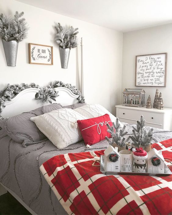 Add Snow-Dusted Decorations to Your Bedroom