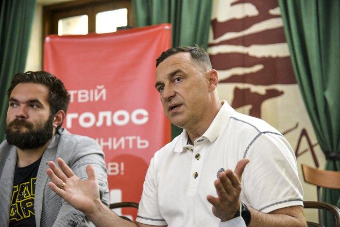 Ярослав Рущишин (справа)