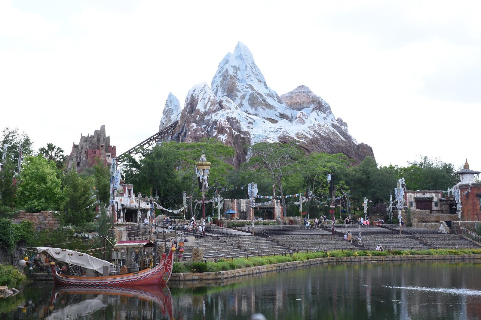 Everest Disney Ride