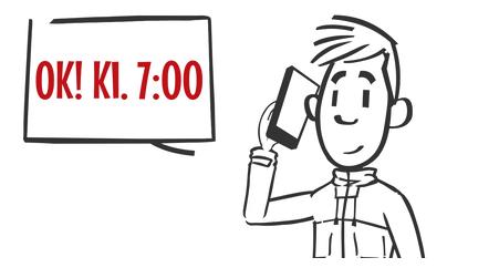 Vikararbejde i Kolding, dreng taler i telefon og smiler, tidspunkt kl. syv