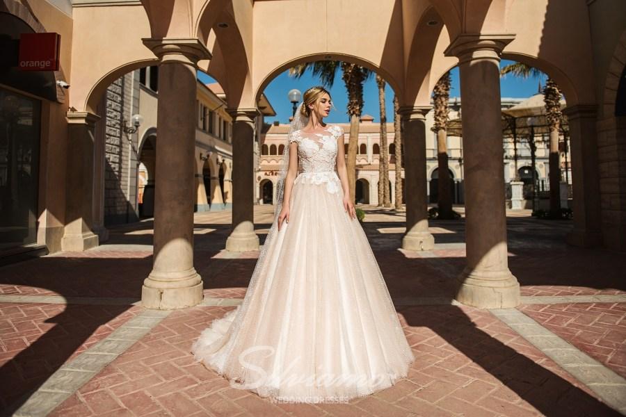 Елегантні весільні сукні А-силуету оптом від Silviamo