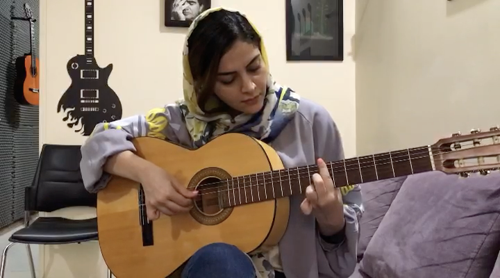 Romance فرحناز شعاعی هنرجوی گیتار فرزین نیازخانی