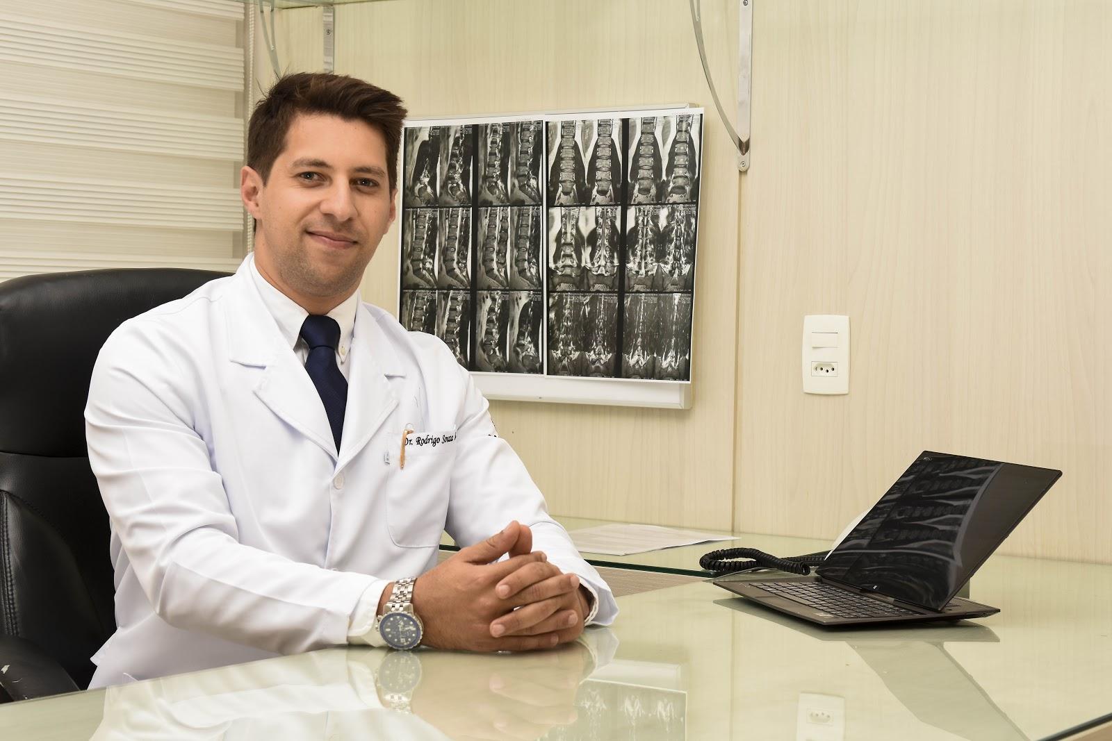 O médico Rodrigo Souza Lima destaca a importância de se procurar um  especialista 39d921f2e0