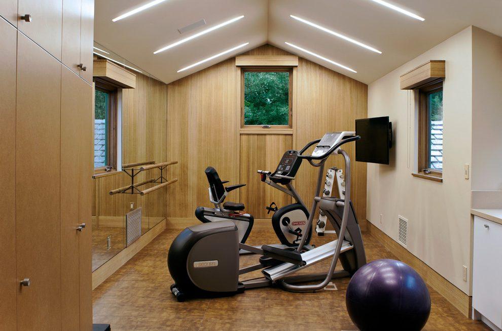 Phòng gym đơn giản với thiết kế bằng gỗ