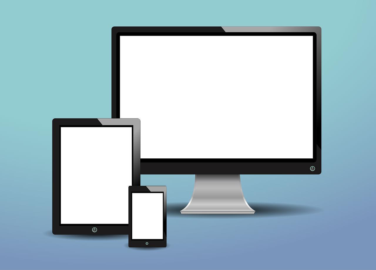 Image avec écrans desktop tablette mobile