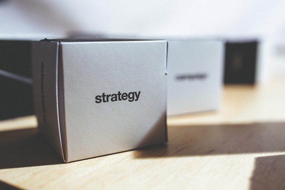 Stratégia, Doboz, Sajtóhiba, Szavak, Szó, Betűk