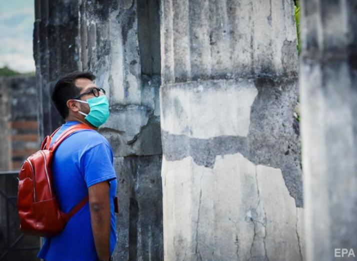 У Лаціо змусять носити маски не лише у закритих публічних приміщеннях, а й на вулицях