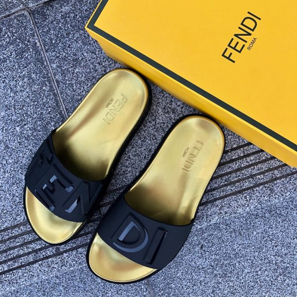 Dép Fendi Black/Gold