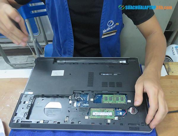 sua-laptop-tai-nha-uy-tin-1