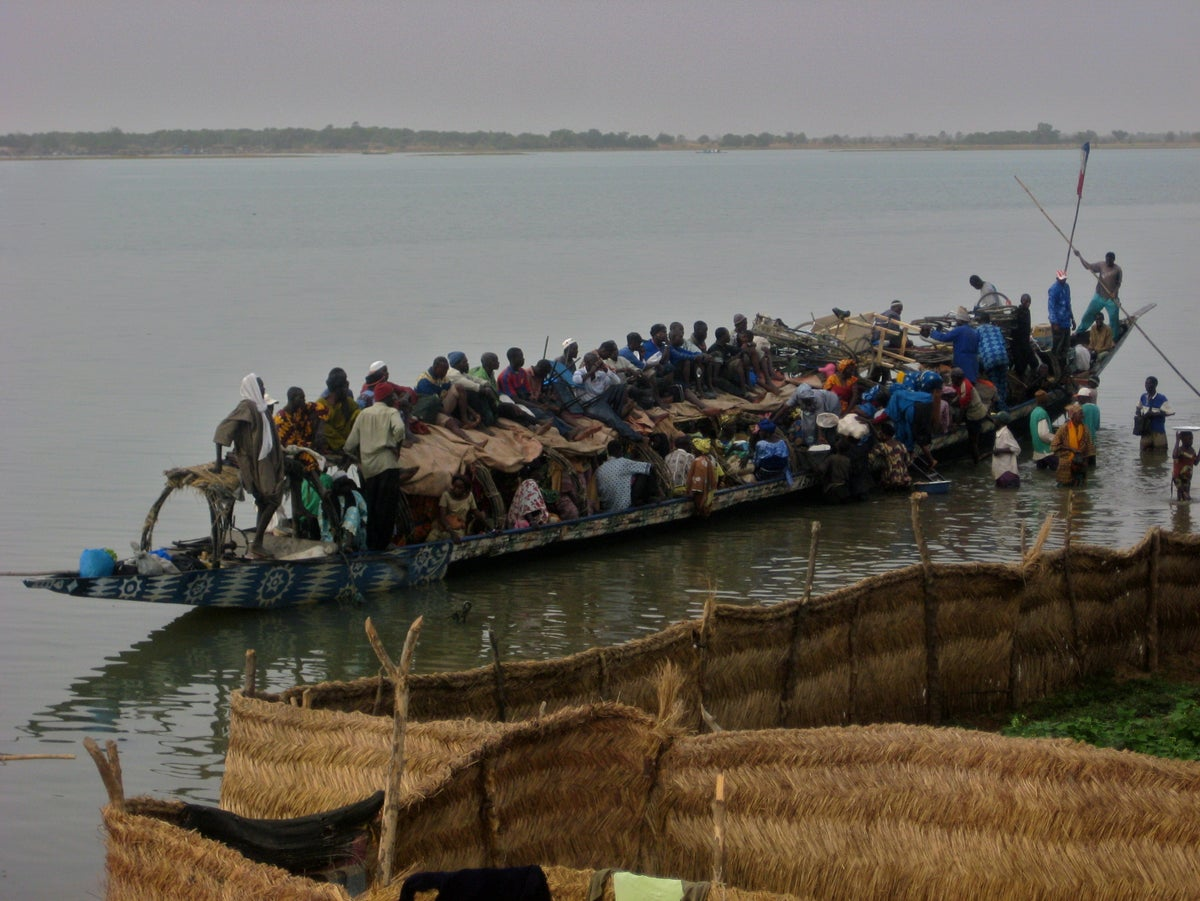 Dozens feared dead after boat with 200 passengers sinks in Nigeria | The  Independent