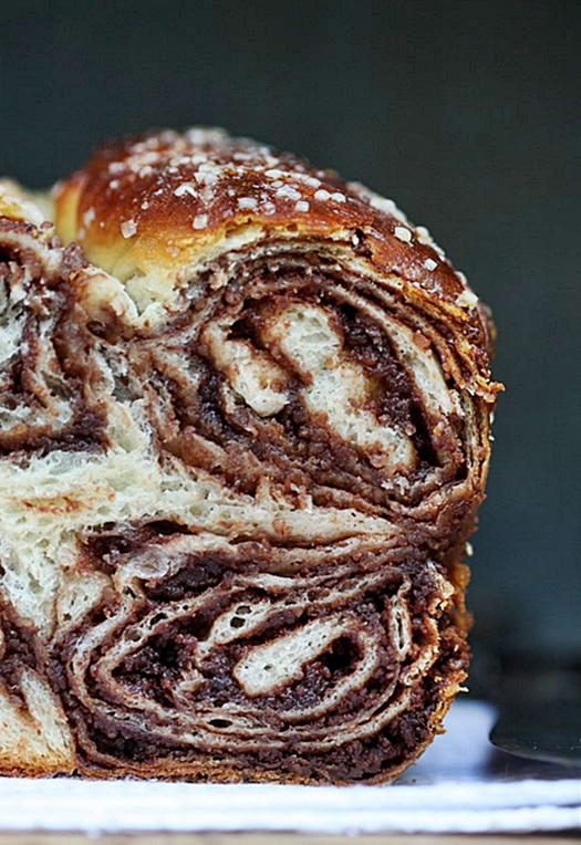 baking-povitica-croatian-sweet-walnut-chocola-L-fcAod2.jpeg