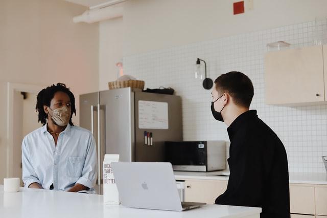 talking to struggling employee