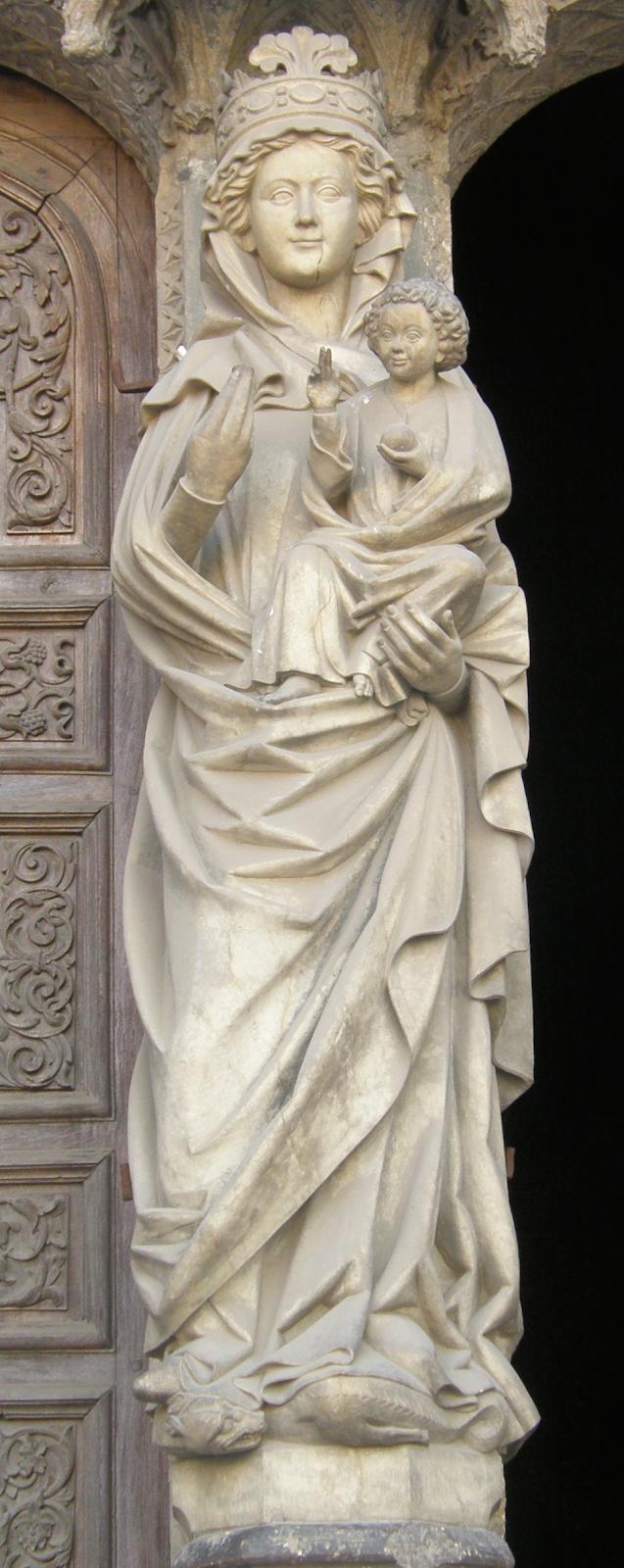 Virgen Blanca de la catedral de León.png