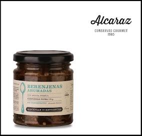 Berenjenas asadas, peladas y ahumadas. Condimentadas con menta fresca y envasadas en aceite  de girasol.