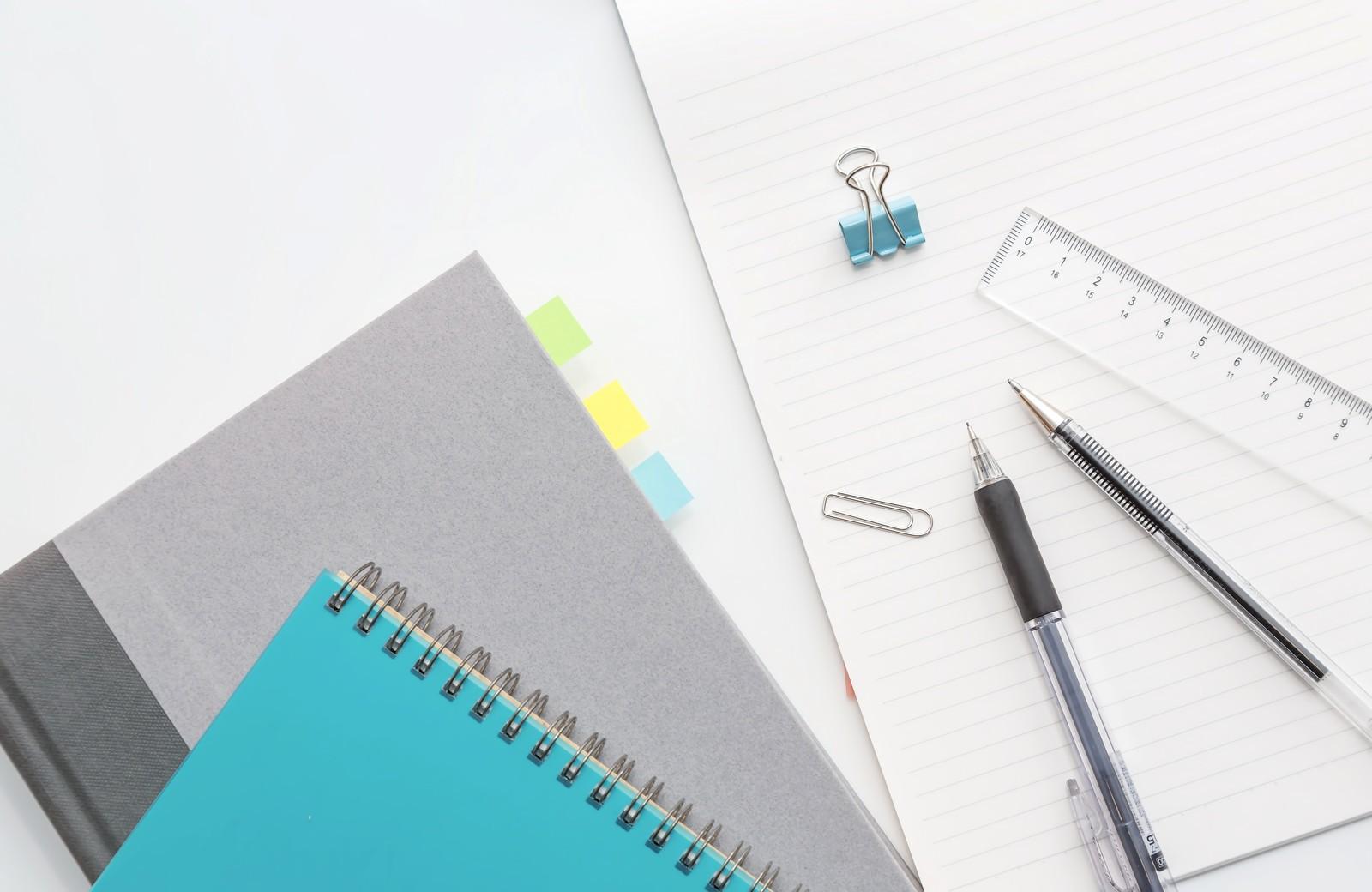 「ノートと筆記用具   写真の無料素材・フリー素材 - ぱくたそ」の写真