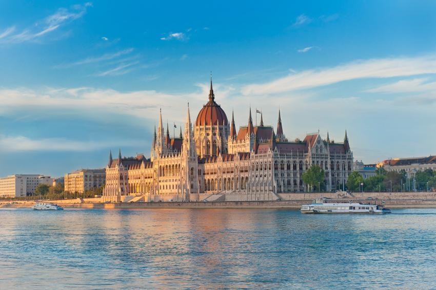 Parliament-building-Budapest.jpg