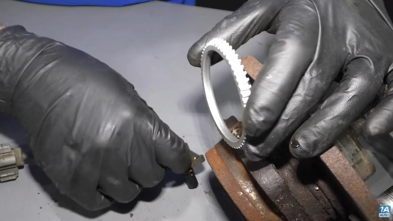 Reductor Ring in Wheel Hub