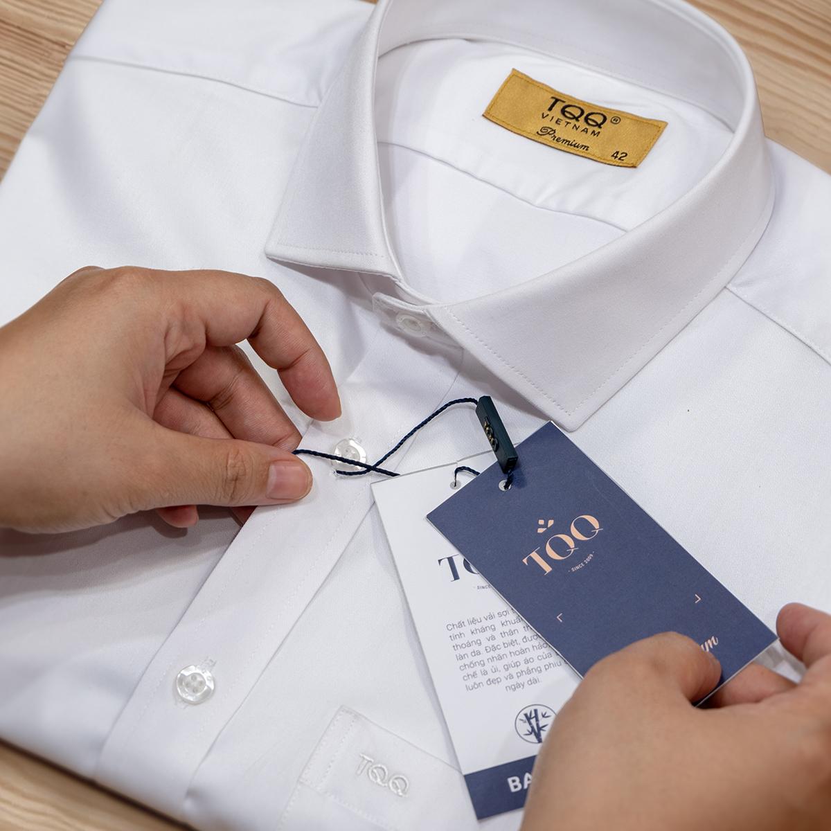 Cần quan sát phần ghi chất liệu vải ở mác áo/cổ áo để chọn chất liệu phù hợp.