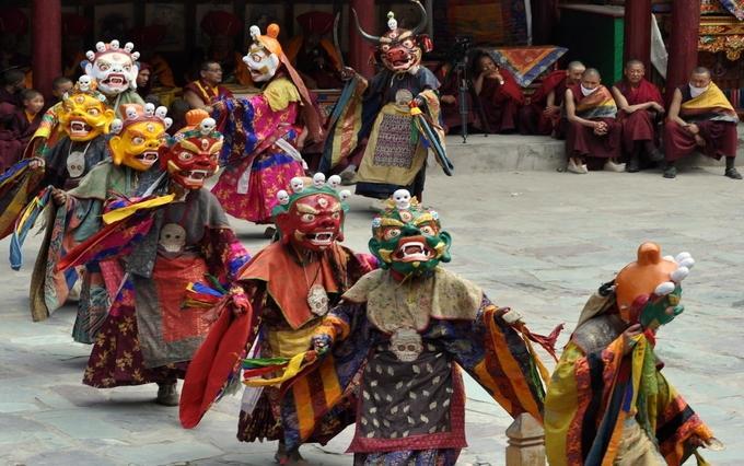 Heritage culture of ladakh - Music Concert iyaatra holidays
