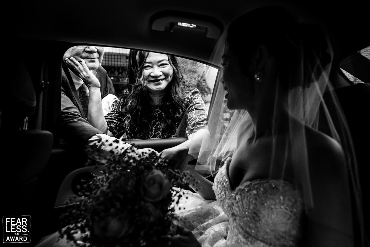 black and white wedding Photojournalism