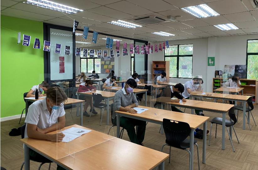 Y11 Students sitting (I)GCSE