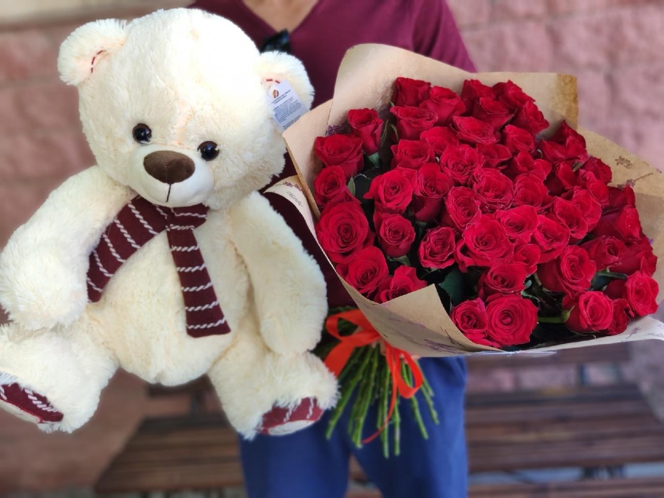 Набор Букет из 51 розы + Мишка
