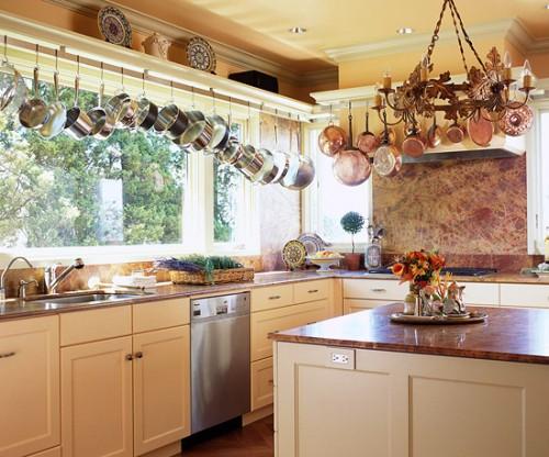 How Unique Pots Paints The Chic Look Of Your Beautiful Kitchen