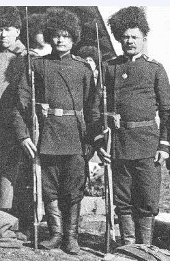Солдаты с винтовками Мосина