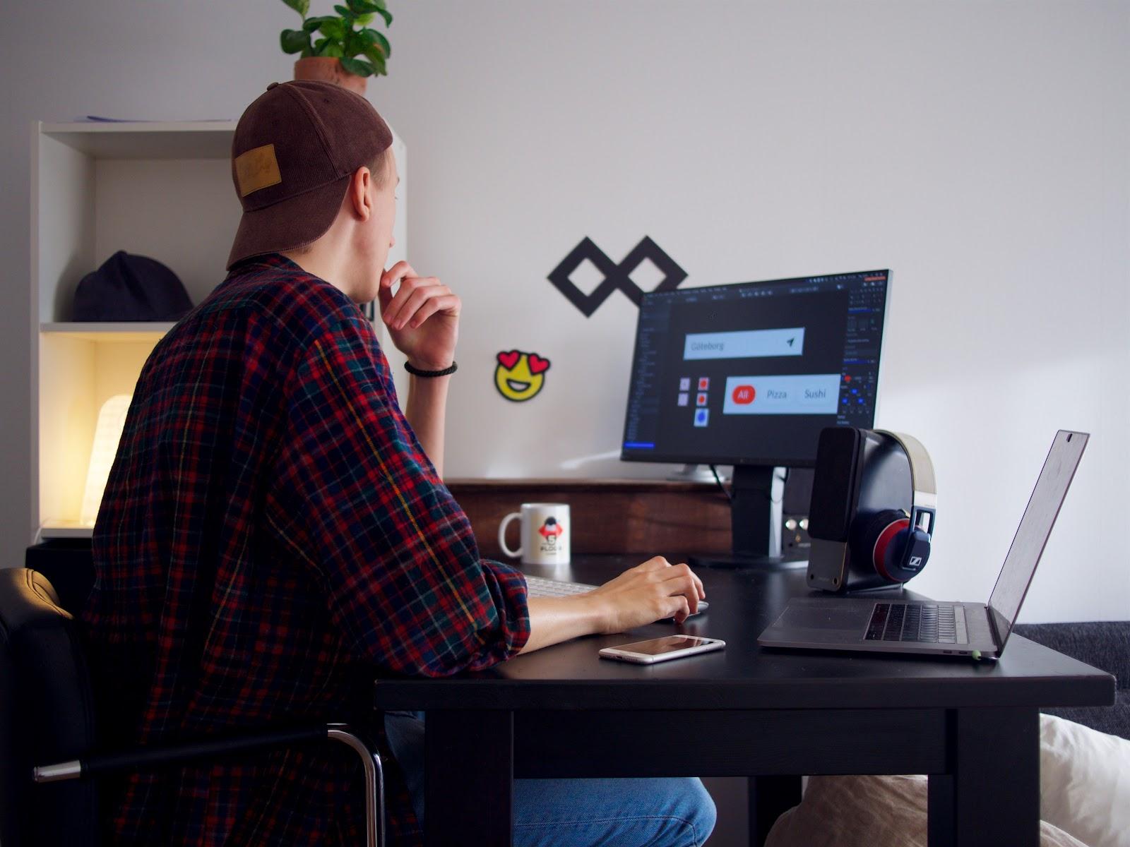 web designer guy making graphics