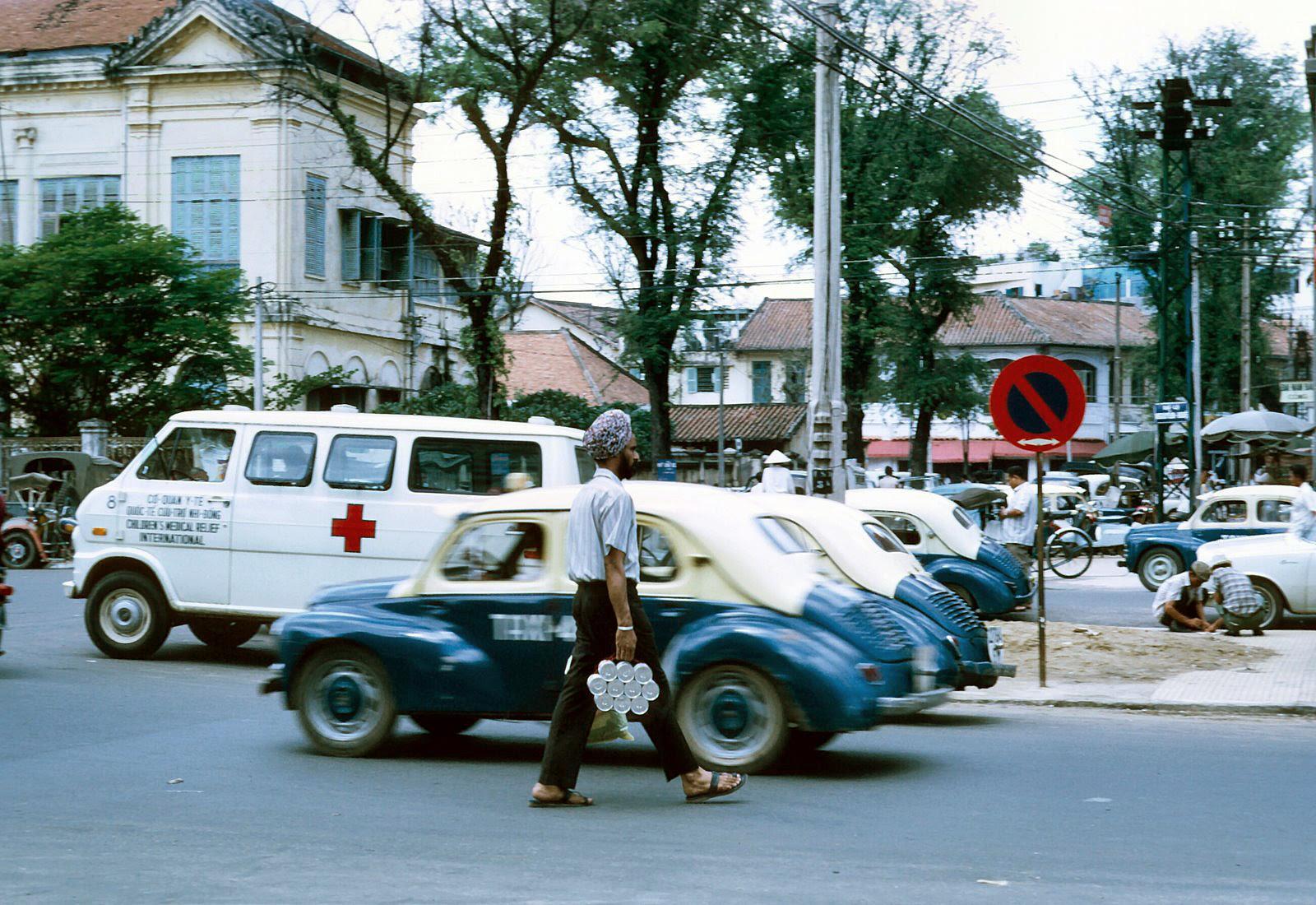 60 tấm ảnh màu đẹp nhất của đường phố Saigon thập niên 1960-1970 - 55