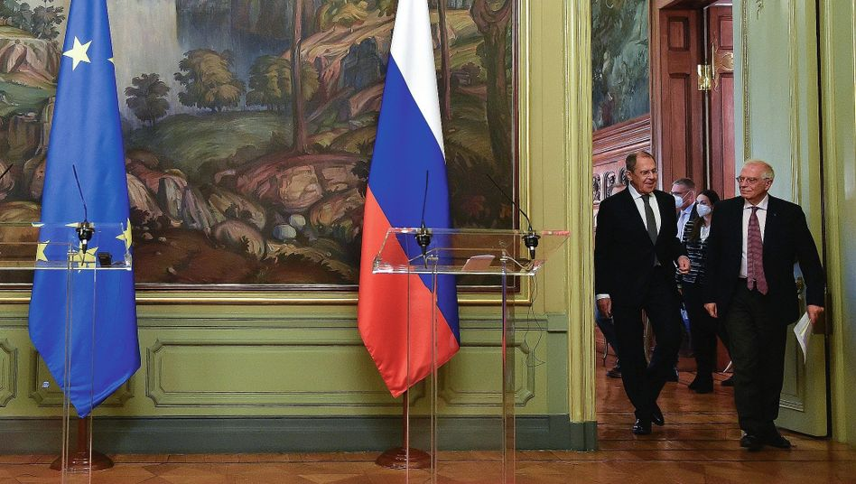 Russian Foreign Minister Sergey Lavrov (left) and EU High Representative Josep Borrell in Moscow on Feb. 5: Cold War vernacular