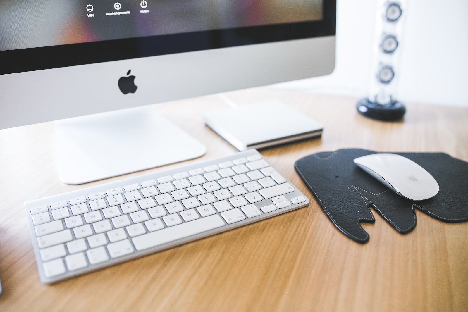working at your desk towards the 4 ingredients to a delicious company website