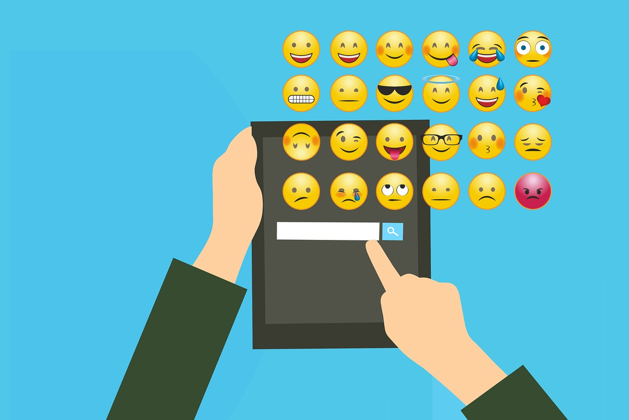 using emojis in live chat for business