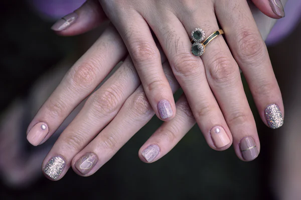How to Stop Nail Biting (A Comprehensive Guide)