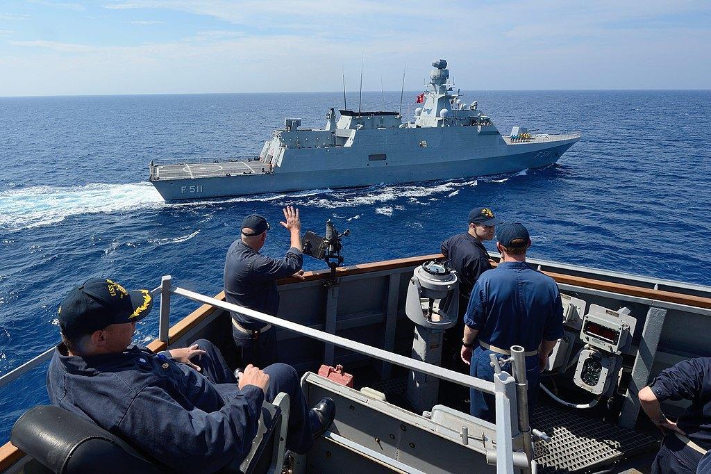 Турецький корвет (класу ADA) TCG Heybeliada (F 511) під час навчань у Середземному морі, 2 вересня 2014
