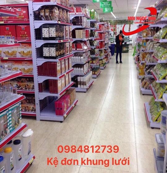 Bày trí kệ siêu thị, hàng hoá hợp lý