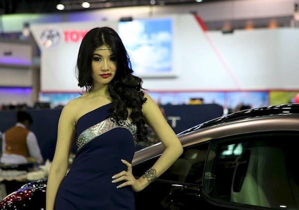 Картинки по запросу модели на автомобильные выставки