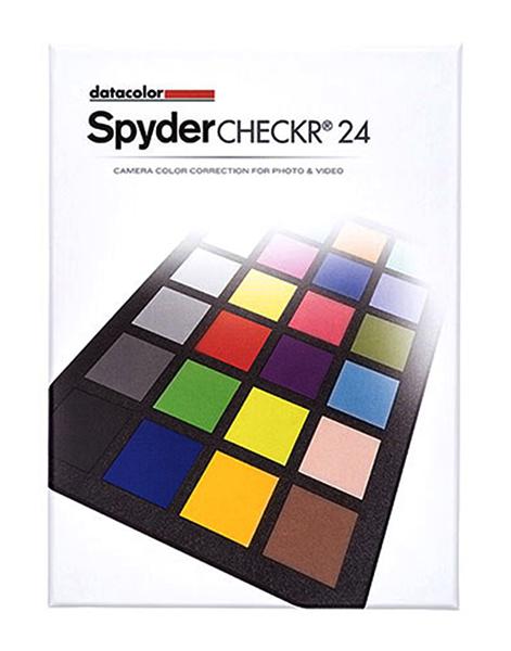 SpyderCheckr 24 продаётся в картонной упаковке, схожей с коробкой DVD-диска.