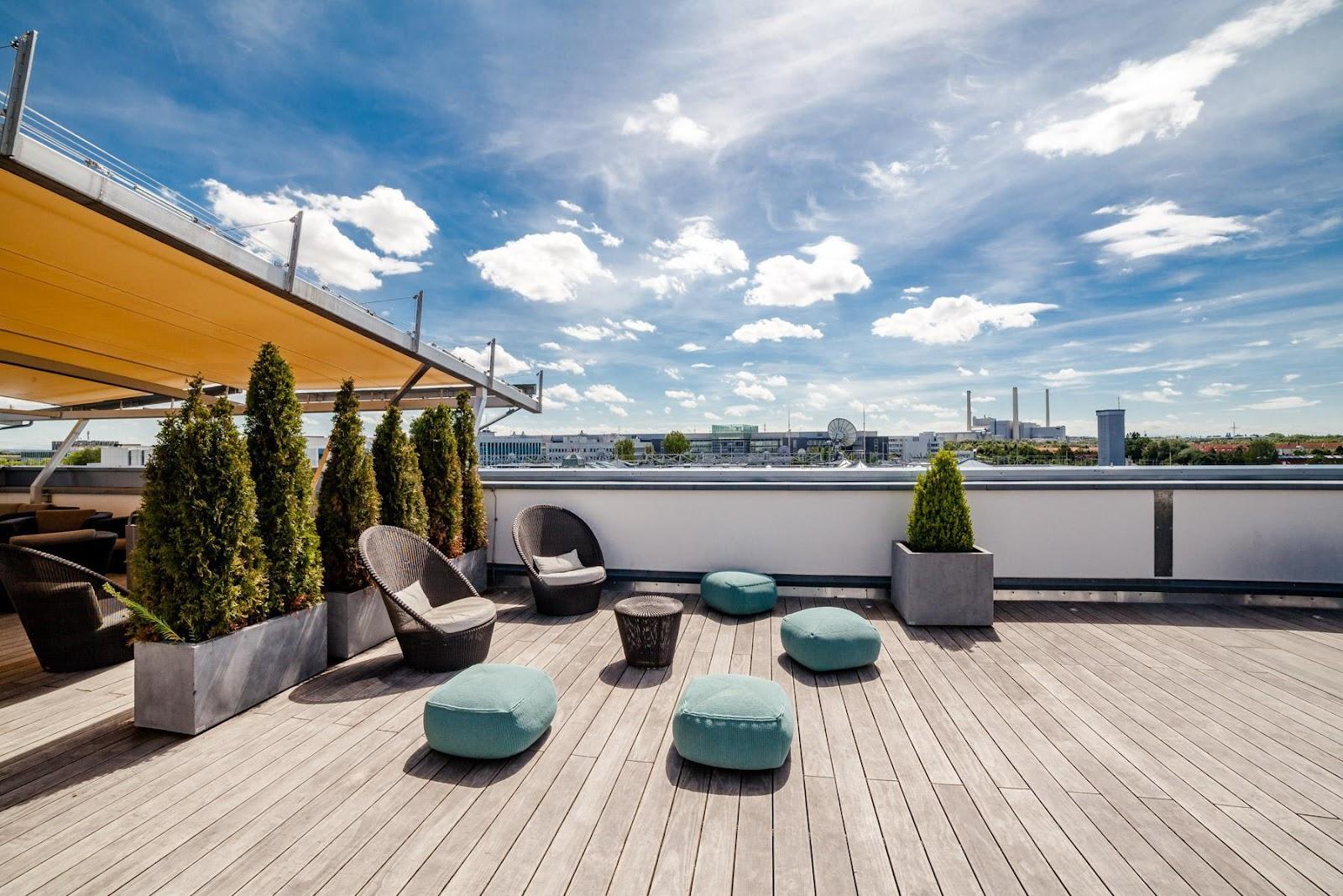 En vacker terrass från Kebony kan höja värdet av ditt hem