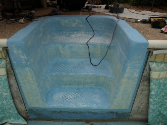 Монтаж акрилового бассейна