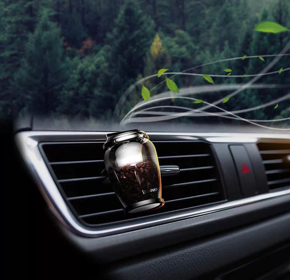 О какой неисправности говорит запах в автомобиле?