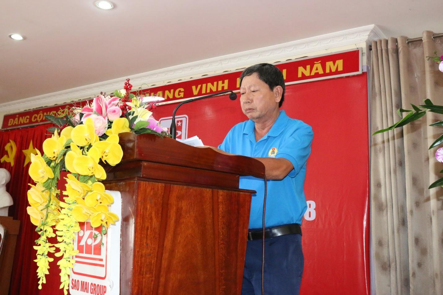 4. Ông Nguyễn Văn Quang – Chủ tịch Công đoàn Báo cáo tình hình hoạt động của công đoàn năm 2017.JPG