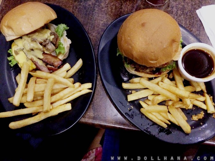 zarks burger la salle taft burgundy tower