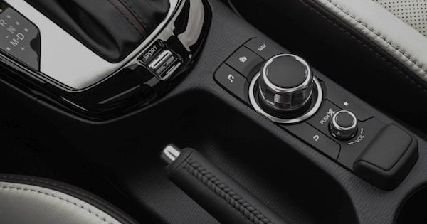 ภายใน CX-3 มากับของเล่นมากกมาย และดีไซน์ให้อารมณ์แบบรถยุโรป