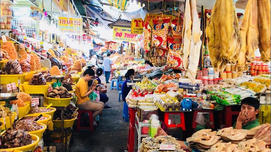 """Chợ Châu Đốc - """"Vương quốc mắm"""" miền Tây trứ danh - BongTrip.vn"""